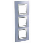 Тройна рамка за вертикален монтаж Unica Top, Берил/Алуминий