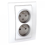Complete Socket-outlet CZ, double, 2P+E, with shutters, White