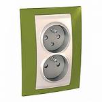Complete Socket-outlet CZ, double, 2P+E, with shutters, Ivory/Pistachio