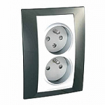 Complete Socket-outlet CZ, double, 2P+E, with shutters, White/Champagne