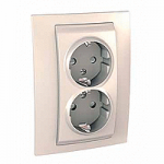 Complete Socket-outlet, side-earth, double, 2P+E, with shutters, Ivory
