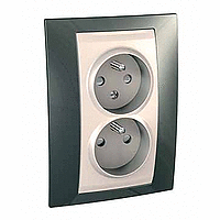 Complete Socket-outlet CZ, double, 2P+E, with shutters, Ivory/Champagne